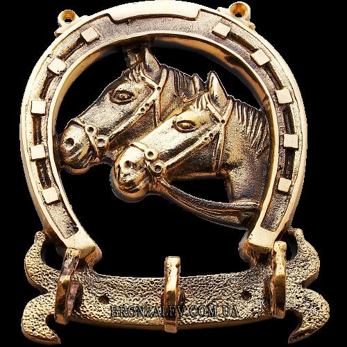Настенная ключница из бронзы для прихожей — «Две лошади»