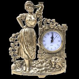 Бронзовые настольные часы «Хуторянка»