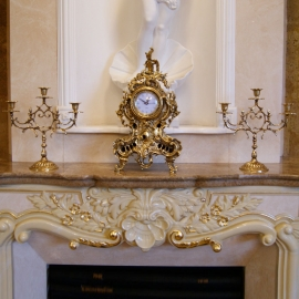 Каминные часы «Рококо» с 2 подсвечниками на 3 свечи