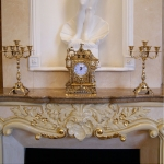 Часы «Старый замок» с подсвечниками на 5 свечей