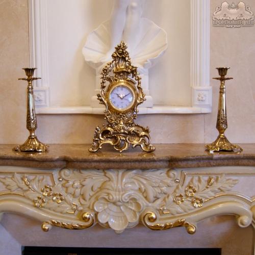 Каминные часы из бронзы с 2 подсвечниками из бронзы для 1 свечи